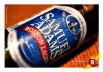 """La etiqueta de la Boston Lager de Samuel Adams, y su estilo  """"New England Proud"""" ."""