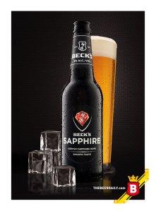 En botella totalmente negra, esta cerveza estilo PIlsner producida en Estados Unidos.