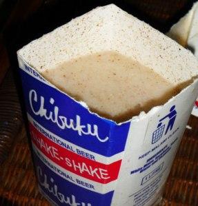 La consistencia opaca y lechosa de Chibuku, producida en Zambia.