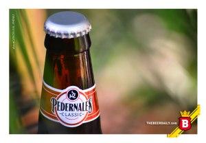 La cuellera de la botella genérica de esta Pedernales Classic