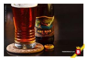 El color ámbar/cobrizo de esta cerveza de la Kona Brewing Co.
